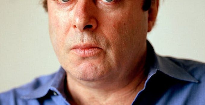 Christopher Hitchens Featured
