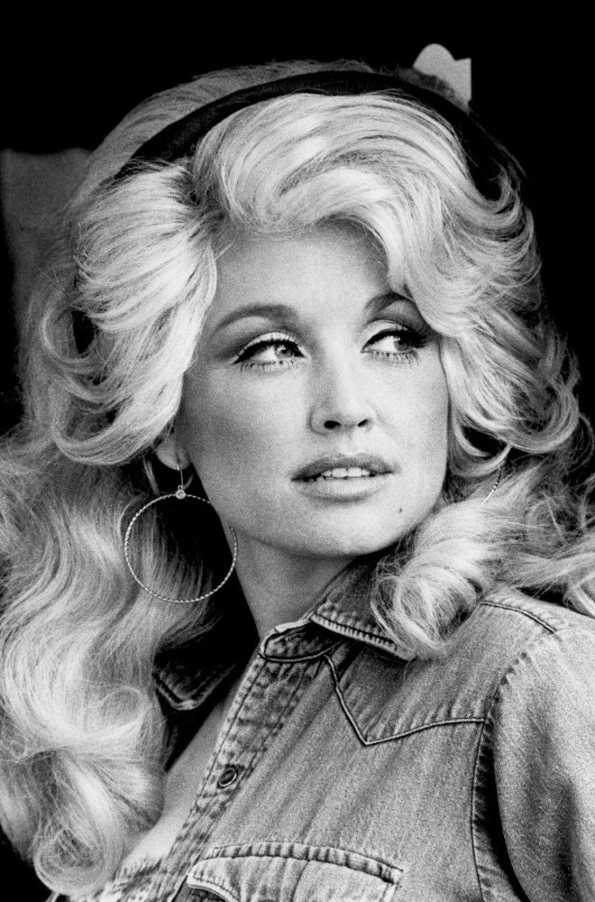 Dolly Parton Featured