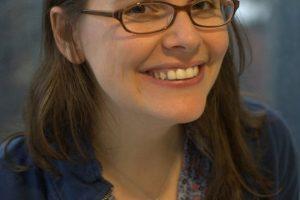 Raina Telgemeier Featured