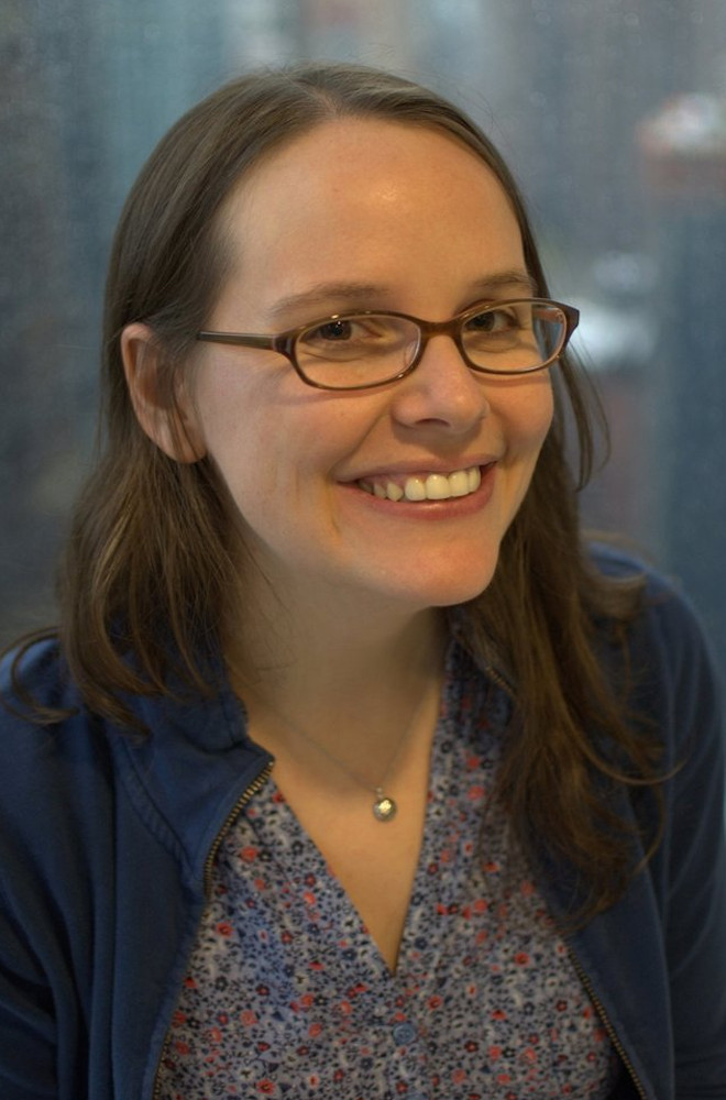 Raina Telgemeier Featured