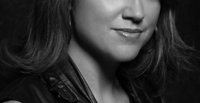 Lisa Gardner Featured