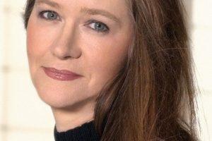Johanna Lindsey Featured