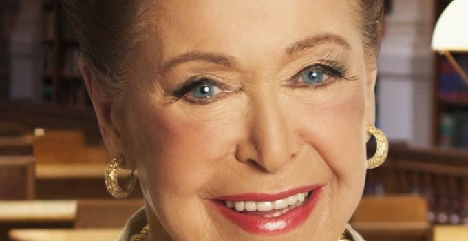 Mary Higgins Clark Featured