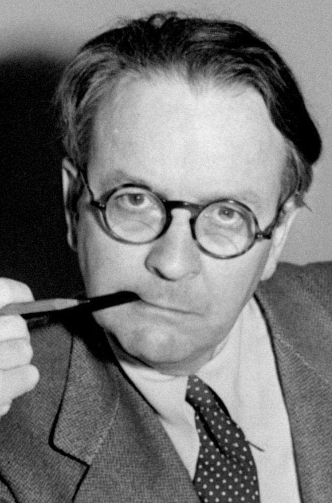 Raymond Chandler Featured