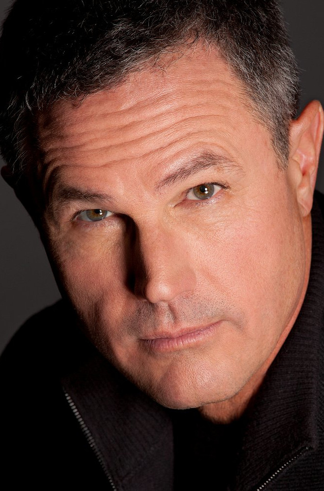 Robert Crais Featured